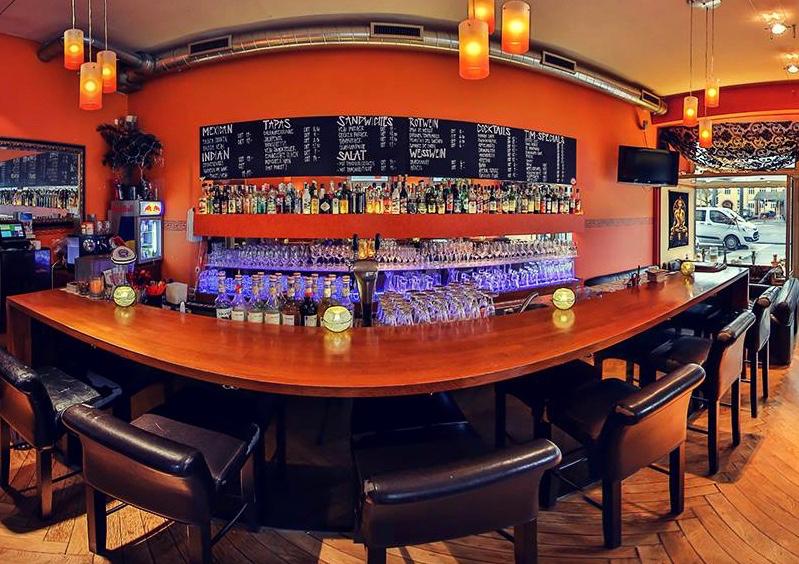 Casanova Bar & Restaurant
